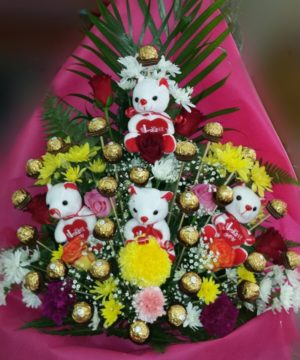 Giftpackage,onlineflowerdelivery,roses,chocolates,teddy,gift,present,love