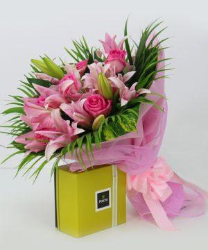 flowers,flower bouqet,gift combo,muscat flower shop
